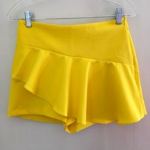 Neon Marigold Yellow NWT Zara shorts size medium